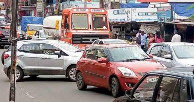 car turning in india